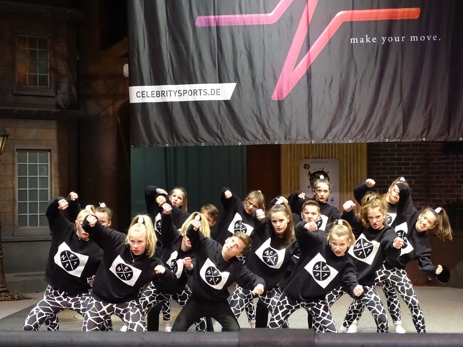 Extra: DS DANCE MASTERS 2018 im Movie Park Germany